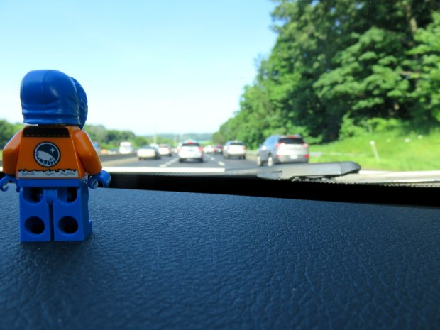 There was all kinds of traffic heading up to Massachusetts, which allowed VDG to check out the scenery ...